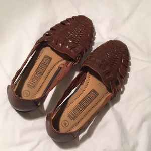 Shoes - vintage genuine leather weaved flats